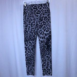 Norma Kamali poly/spandex leopard leggings-szS